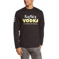 Мъжка тениска с дълъг ръкав и надпис на английски Водка свързва хората